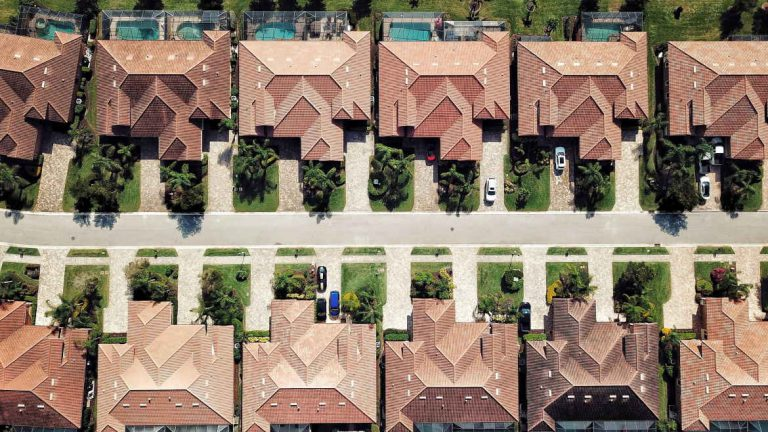 Homes With Older Roofs Could Lose Home Insurance